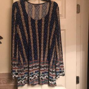 Suzy Shier tunic blouse